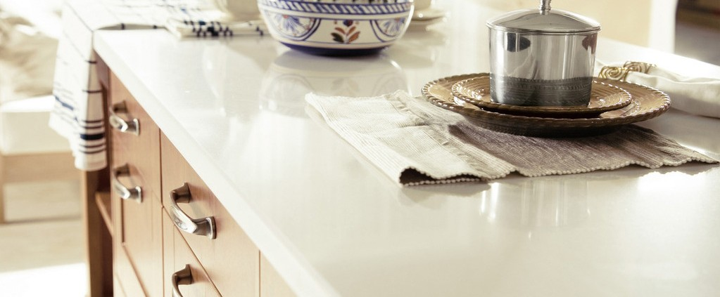 Solid Surface Vs Engineered Quartz Stone Surfaces Which Is A Better Option For Home Décor
